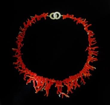 Collier aus Korallen