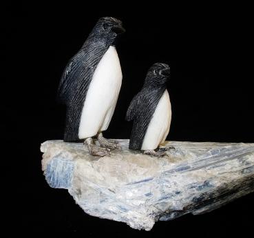 Pinguine aus Edelsteinen